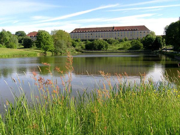 Südansicht von Kloster Strahlfeld bei Roding im Land der Regenbogen