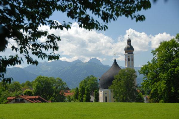 Kirche Johann Baptist/Heilig Kreuz am Wasen