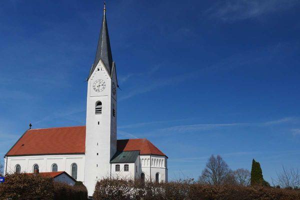 Pfarrkirche Mariä Himmelfahrt in Pang