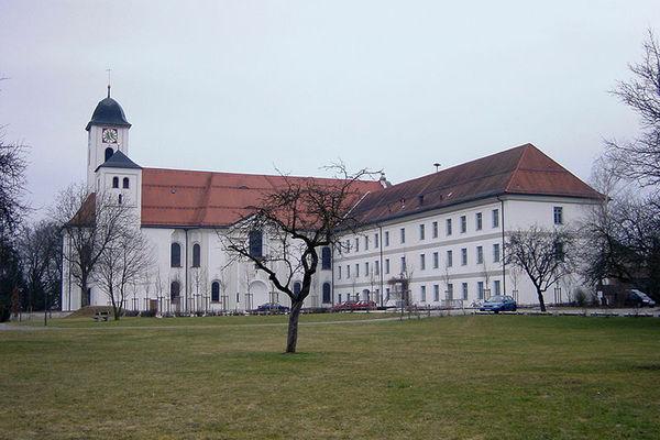 Ehemaliges Kloster Rott am Inn und Kirche St. Marinus und Anianus.