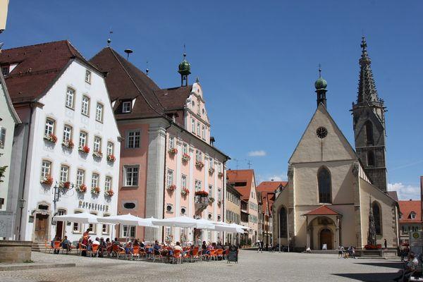 Die Stadtmitte Rottenbrugs mit Dom und Rathaus