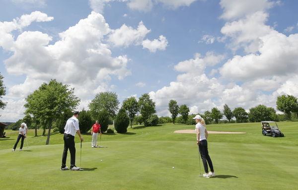 Mitten im Spiel - Golfanlage Holledau in Rudelzhausen