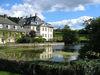 Wasserschloss Körtlinghausen mit Kallenhardt im Hintergrund
