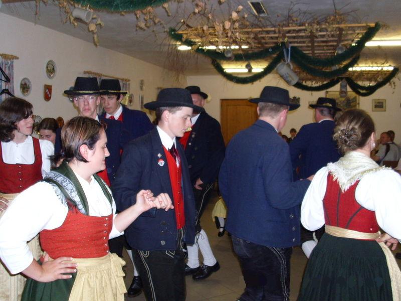 Volkstanz mit dem Heimat- und Volkstrachtenverein dTeisnachtaler Ruhmannsfelden