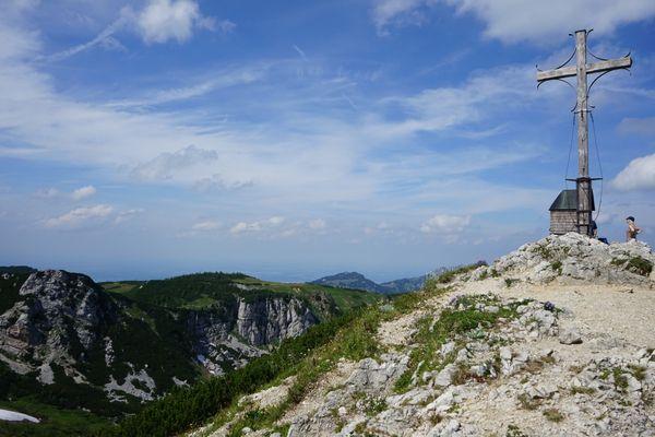Gipfelkreuz Geigelstein mit Kapelle