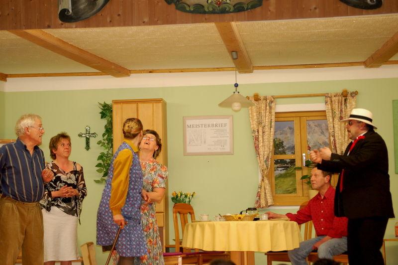 Szene aus einem Stück der Theatergruppe Preying