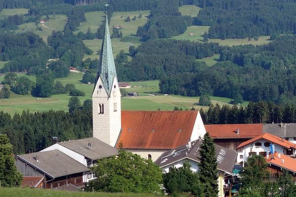 Pfarrkirche Mariä Himmelfahrt in Törwang