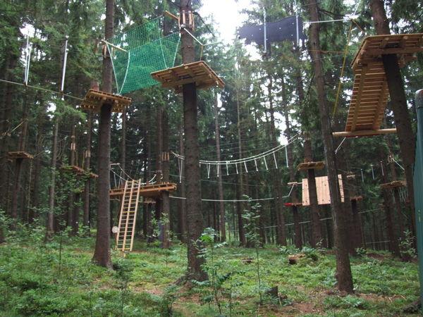 Sechs verschiedene Parcours gibt es im Kletterwald in St. Englmar