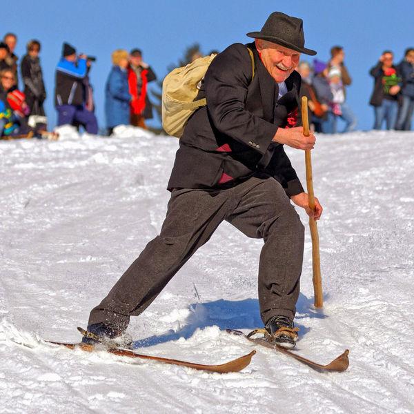Das Nostalgie Skirennen in Sankt Englmar findet alle drei Jahre statt
