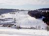 Blick auf den Skilift Grün-Maibrunn in der Wintersportregion St. Englmar