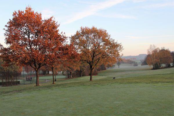 Golfspielen mit tollem Ausblick