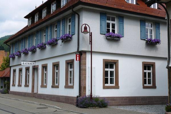 Rathausgebäude Blick von Straßenseite