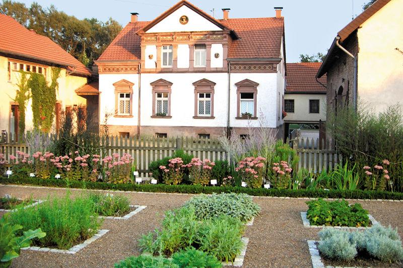 Jardin campagnard p dagogique et d exposition schmelz for Jardins et services