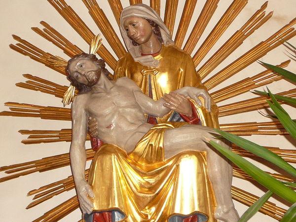 Die PIETA, Hauptfigur in der Pfarrkirche in Schöfweg