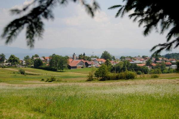 Schöfweg: Bei uns können Sie tief durchatmen, denn nirgendwo in Deutschland ist die Luft besser als auf dem Brotjackelriegel.