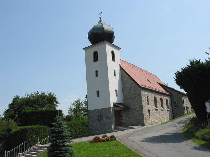 Blick auf die Filialkirche in Eberhardsreuth bei Schönberg