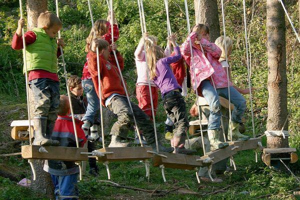 Kinderspaß im Arbenteuerspielplatz Koboldswelten in Schönberg am Teufelsfelsen
