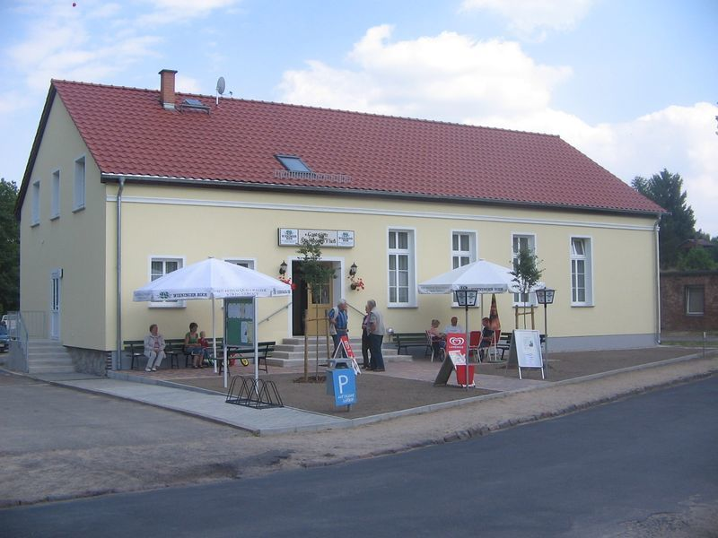 E-Bike-Ladestation im Kulturhaus Schönfließ, Foto: Info-Punkt Amt Lebus