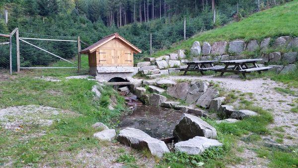 einer der Schnapsbrunnen in Seebach