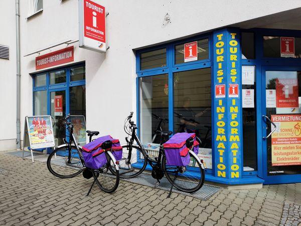 Fahrradverleih und E-Bike-Ladestation in der Tourismus-Information Oderbruch und Lebuser Land, Foto Angelika Voigt