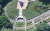 Luftaufnahme Kriegsgräberstätte und Ehrenmal