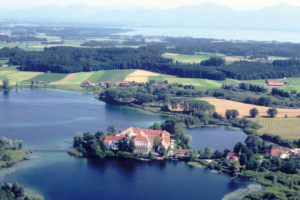 Luftaufnahme Kloster Seeon.