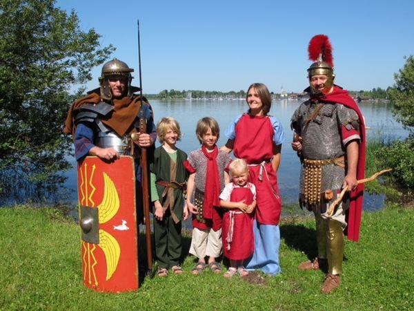 Am speziellen Museumstag haben Besucher die Möglichkeit, selbst in die Rolle eines Römers zu schlüpfen.