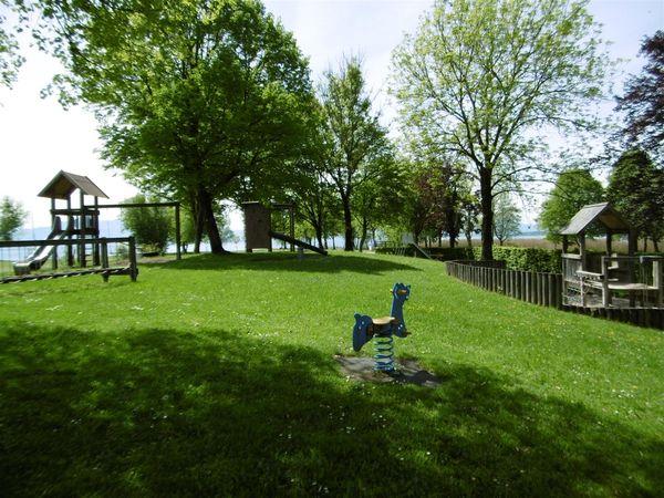 Spielplatz Seebruck-©Tourist Information Seebruck