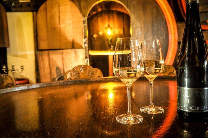Restaurant Küferschänke mit Weinfass