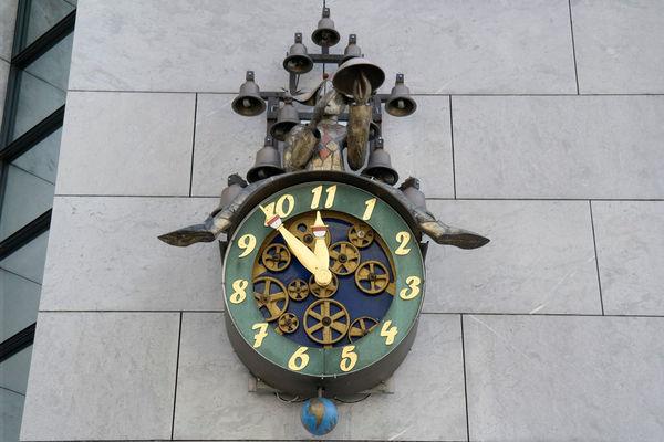 11 clock