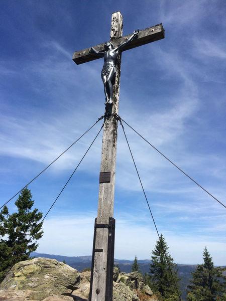 Gipfelkreuz am Großen Rachel, dem höchsten Berg im Nationalpark Bayerischer Wald