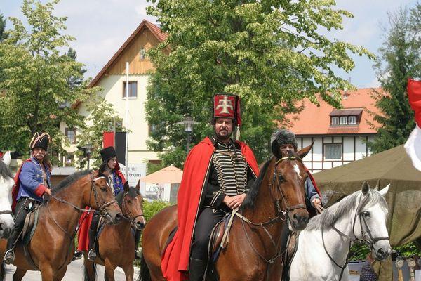 Freiherr von der Trenck hoch zu Ross beim Pandurenfest in Spiegelau