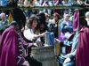 Genießen des Pandurenbieres beim historischen Pandurenfest in Spiegelau