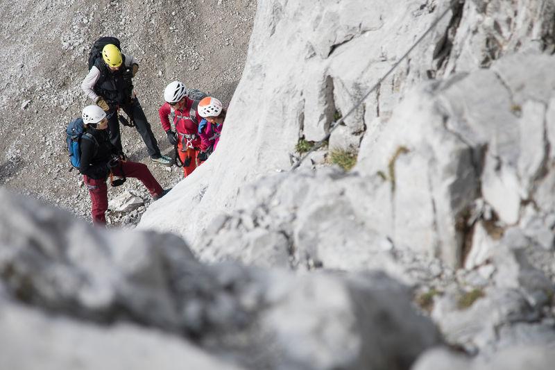 Klettergurte Für Klettersteig : Richtiges gehen am klettersteig naturfreunde lehrvideo