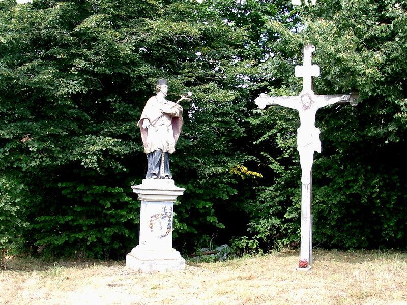 Nepomuk-Denkmal in Ried bei Stallwang am Rundwanderweg Nr. 1
