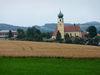 Blick auf die Pfarrkirche Stallwang in der Region Vorderer Bayerischer Wald