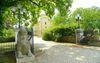Außenansicht mit Toreinfahrt, Foto: Schloss Steinhöfel