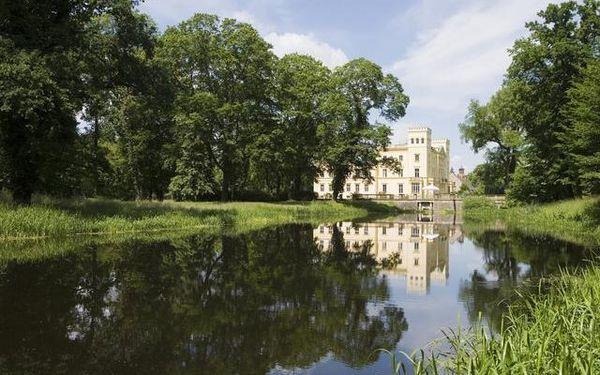 Blick auf das Schloss Steinhöfel, Foto: TMB-Fotoarchiv/Paul Hahn