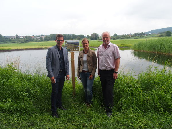 Einweihung der Blänke durch Bürgermeister Benjamin Mors, Sindy Bublitz (Heinz Sielmann Stiftung) und Manfred Fehrenbach (Stiftung Naturschutzfonds Baden-Württemberg)