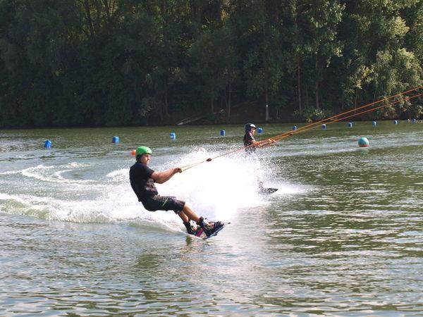 Action an der Wasserski-Seilbahn am Friedenhain-See