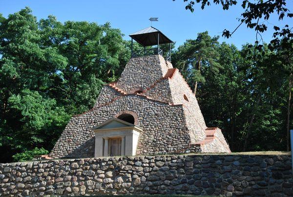 Pyramide Garzau-Garzin, Foto: Stadt Strausberg