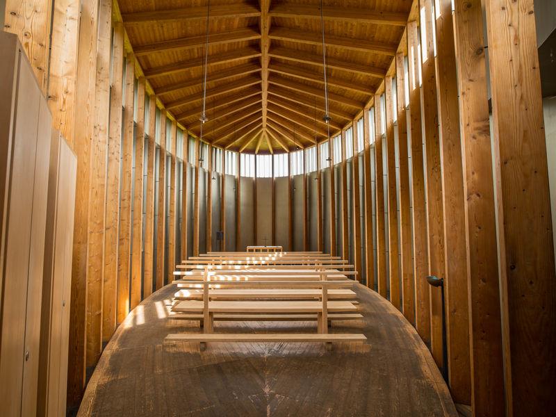 Kapelle Sogn Benedetg Sommer Innensicht