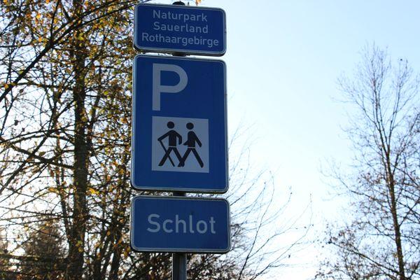 Willkommen auf dem Wanderparkplatz Schlot
