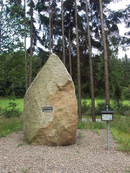 Der Stein der Weisen in Tännesberg am Goldsteig.