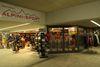 Alpini Sport au terminal du Cervin Täsch propose des équipements sportifs pour l'hiver et l'été.