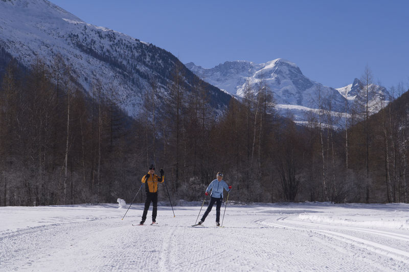 Cross-country skiing on the Täsch and Randa circuits: 15 km of prepared trails, both classic- and skating-style.