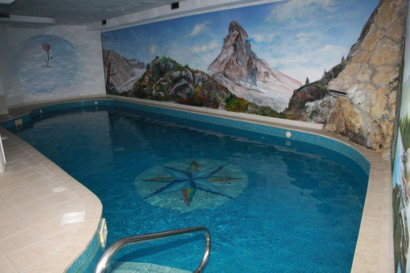 En plus d'une piscine, le Spa Hotel Walliserhof propose également un bain tourbillon, un bain de vapeur et un sauna.
