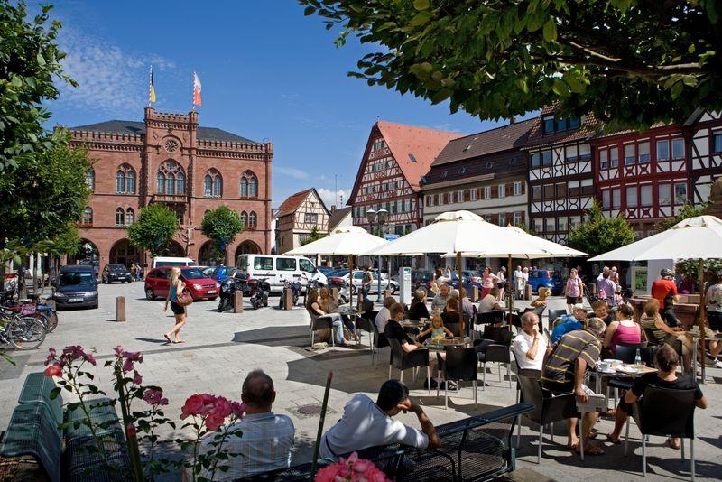Rathaus am Marktplatz in Tauberbischofsheim