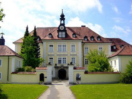 Blick auf das Kloster ST. JOSEF in Thyrnau im Passauer Land
