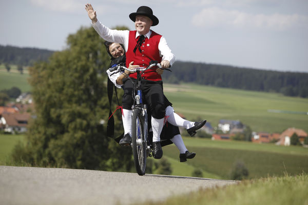 Radtour in Tracht